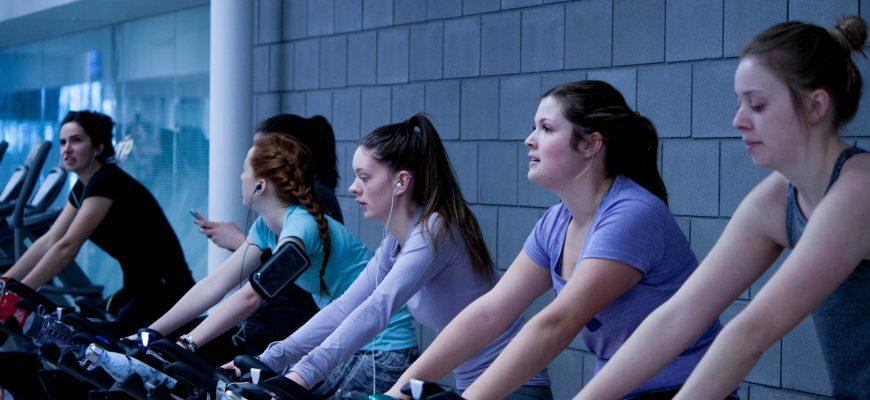 ?פעילות אירובית בחדר הכושר להפחתה במשקל